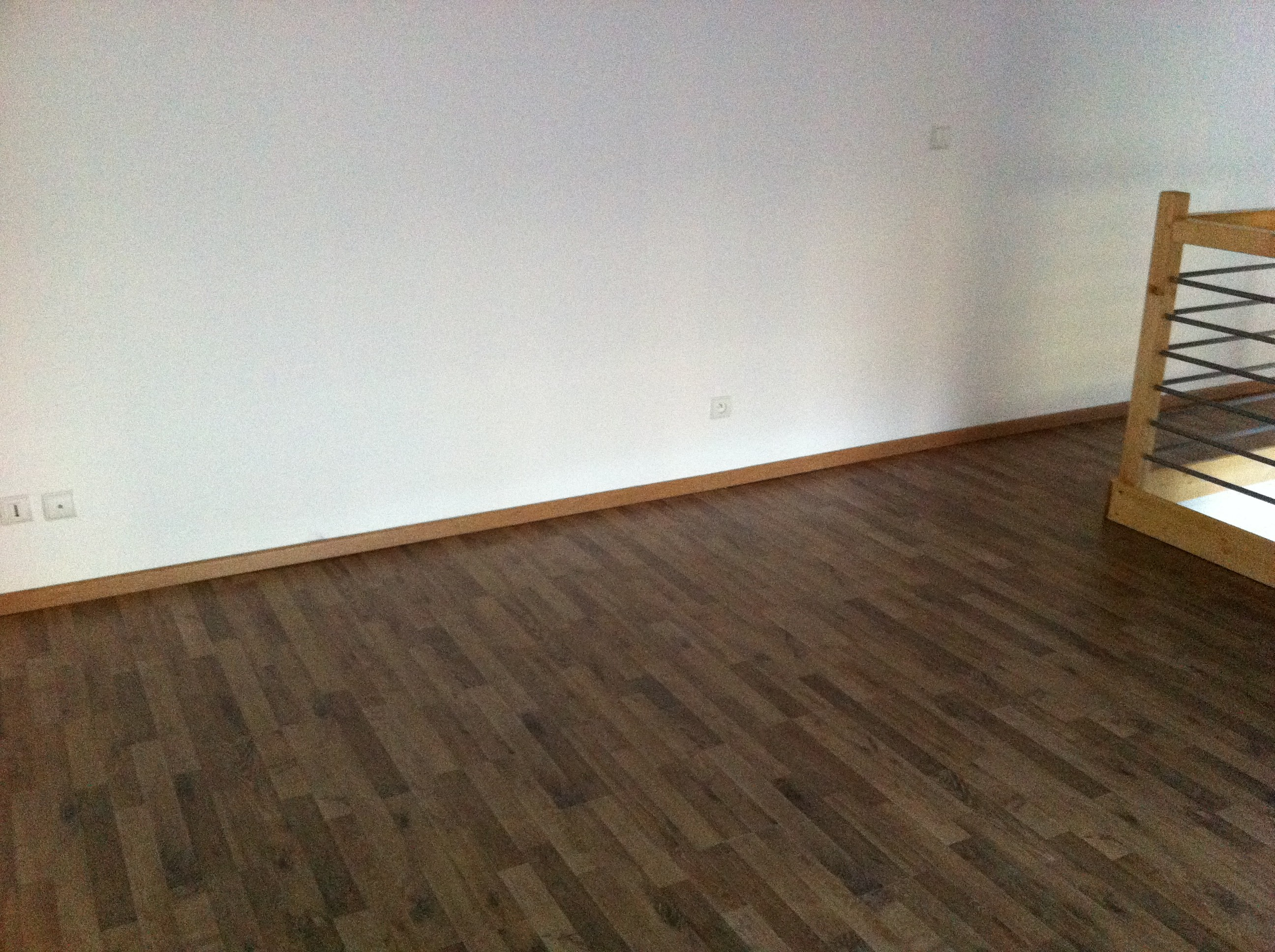 Installation chauffage invisible extra mince sous parquet